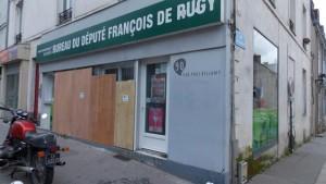 nantes.les-bureaux-du-depute-francois-de-rugy-degrades