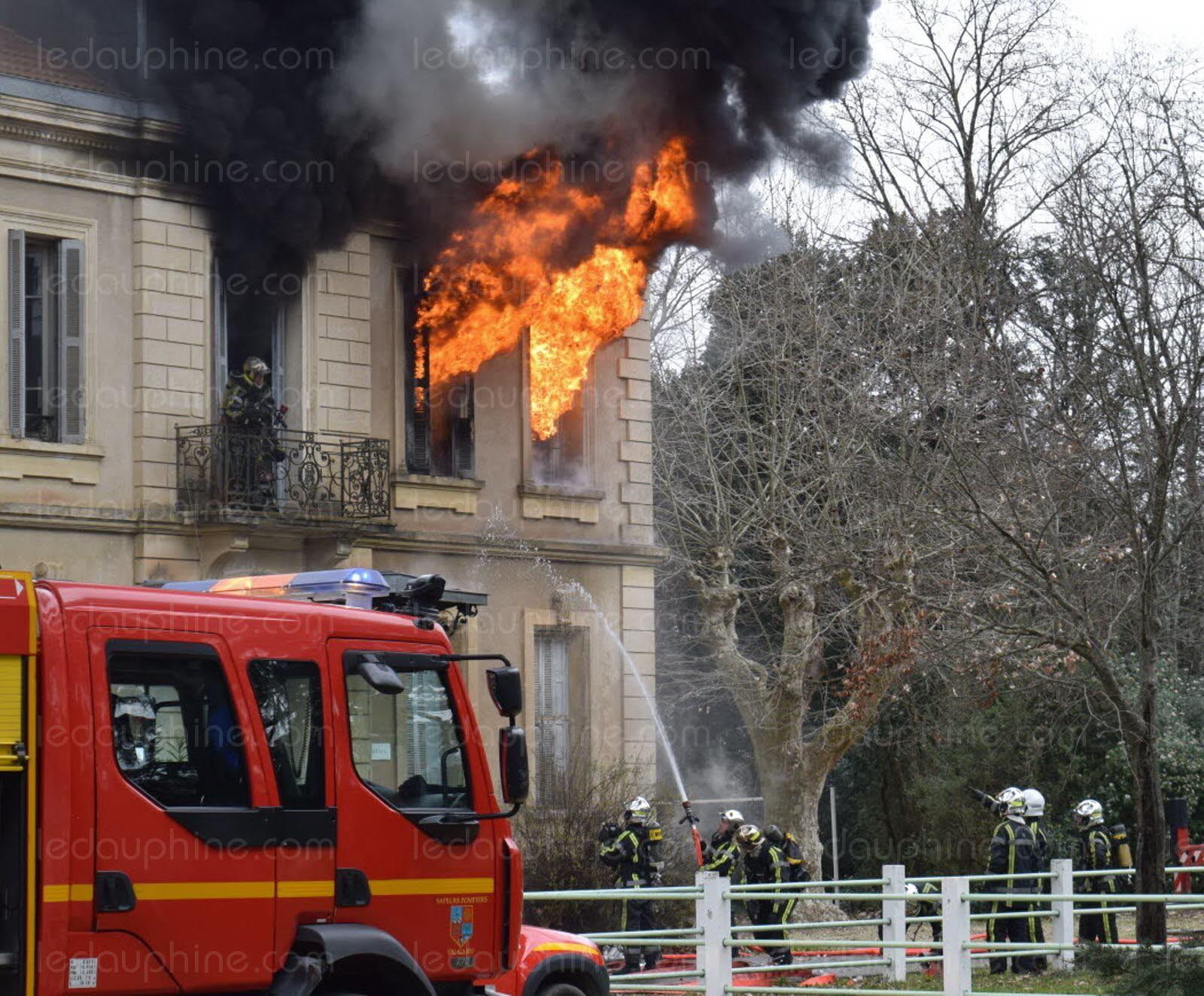 Pont saint esprit gard incendie l ime attaque for L jardine pont saint esprit