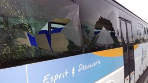 saint-martin-de-fontenay-trois-bus-degrades-sur-le-parking-du-college